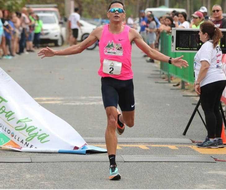 Felicitación a Alexander Torres, ganador del 10K Llaneros en Toa Baja